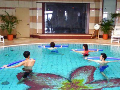ホリスティッククラブ水中運動